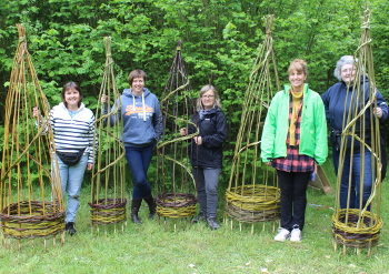 Make a willow obelisk plant support - Saturday 22 April 2017