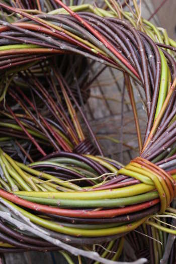 Willow wreaths - Christmas decorations that bring natural beauty into your home