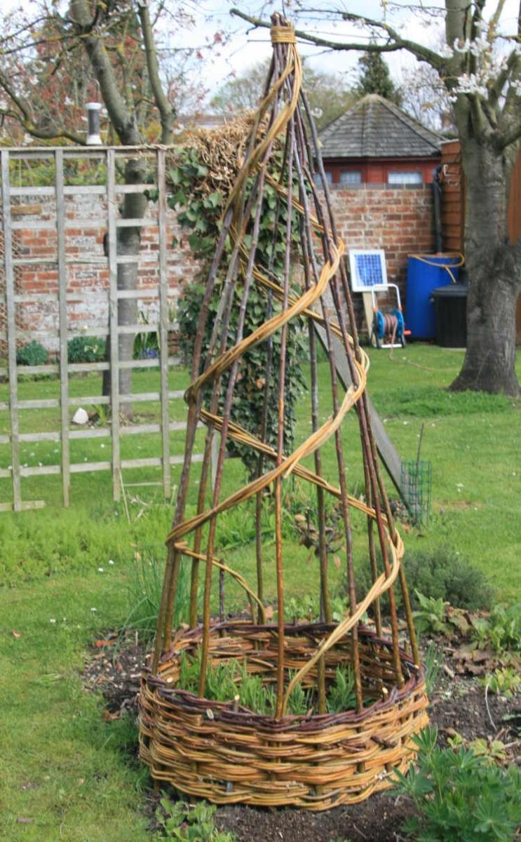 How to make a garden obelisk - Here S A Selection Of Our Obelisks