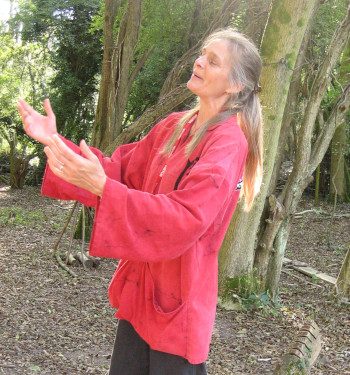 Jane Lambourne of Wassledine storytelling in teh woods at Caterham Pre-prep School, Surrey