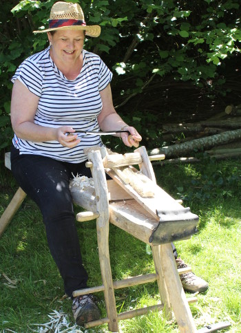 Using shave horse and draw knife to start the process of making a spoon - with Wassledine - Sunday 23 September 2018